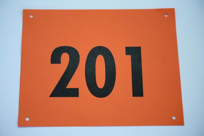 100 Startnummern Neobond/Kunststoff Orange (wetterfest)